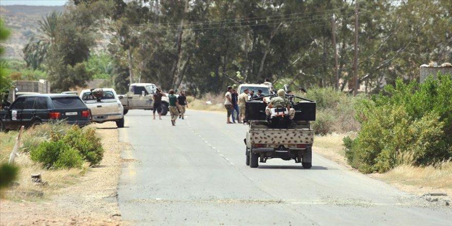Libya ordusu Hafter milislerinin geride bıraktığı tuzaklar ve mayınları temizliyor