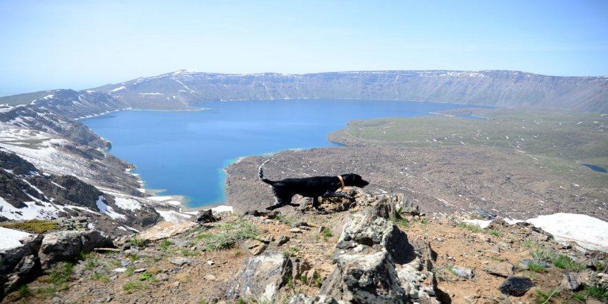 Yeryüzü cenneti 'Nemrut' ile Anadolu'nun 'Orhun Abidelerinde' Kovid-19 sessizliği