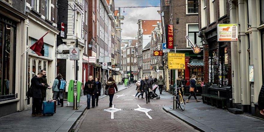 Hollanda'da Kovid-19'dan ölenlerin sayısı 5 bin 951'e yükseldi