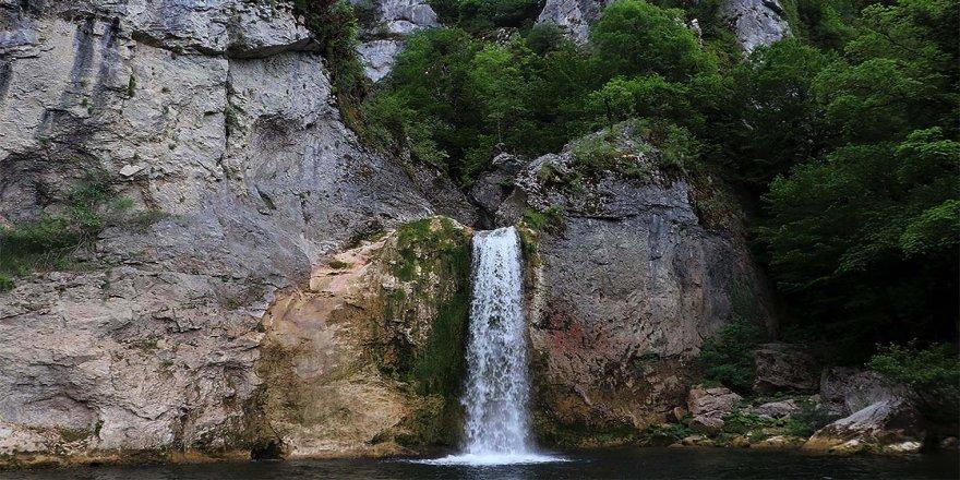 Karadeniz'in 'saklı güzelliği' Ilıca Şelalesi ziyaretçileriyle buluşmayı bekliyor