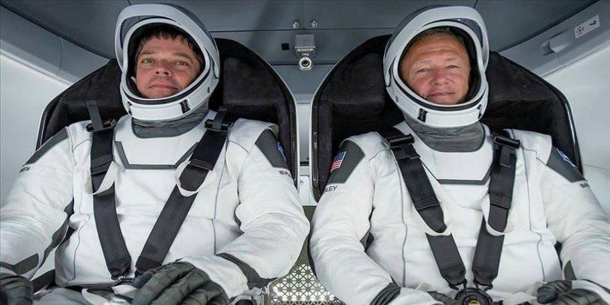 Dragon kapsülü Uluslararası Uzay İstasyonu'na kenetlendi