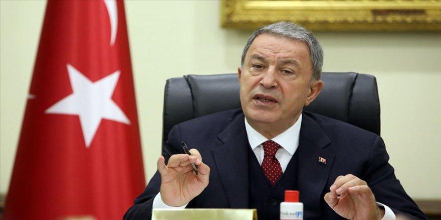 Bakan Akar: TSK asil milletimizin gurur kaynağı olmaya devam etmektedir