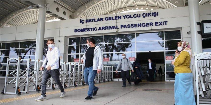 Antalya'da hava trafiği hareketlendi