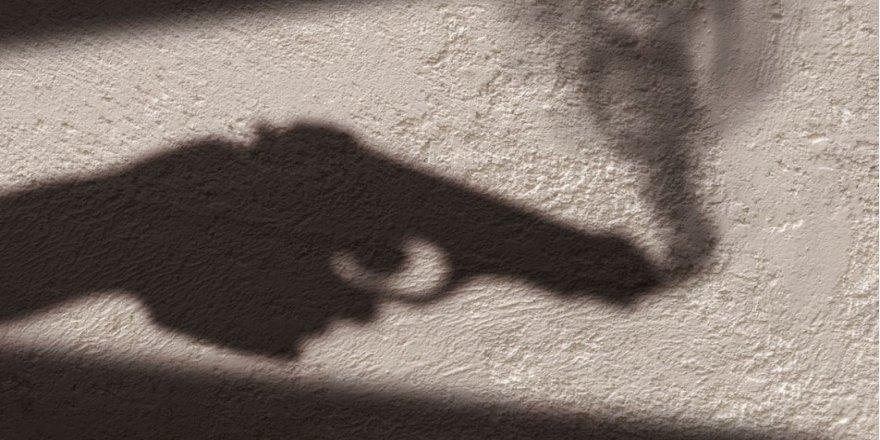10 yaşındaki çocuğu silahla boynundan yaralayan 2 kişi yakalandı