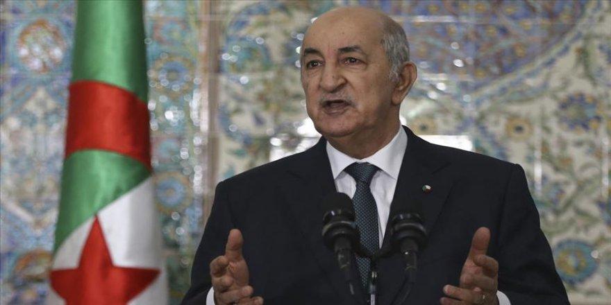 Cezayir Cumhurbaşkanı Tebbun Buteflika rejiminin partisine üyeliğini dondurdu