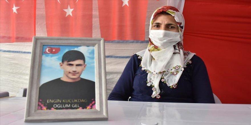 Diyarbakır annelerinden Kamile Küçükdağ: Oğlum, beni görüyorsan, sesimi duyuyorsan sen de çık gel
