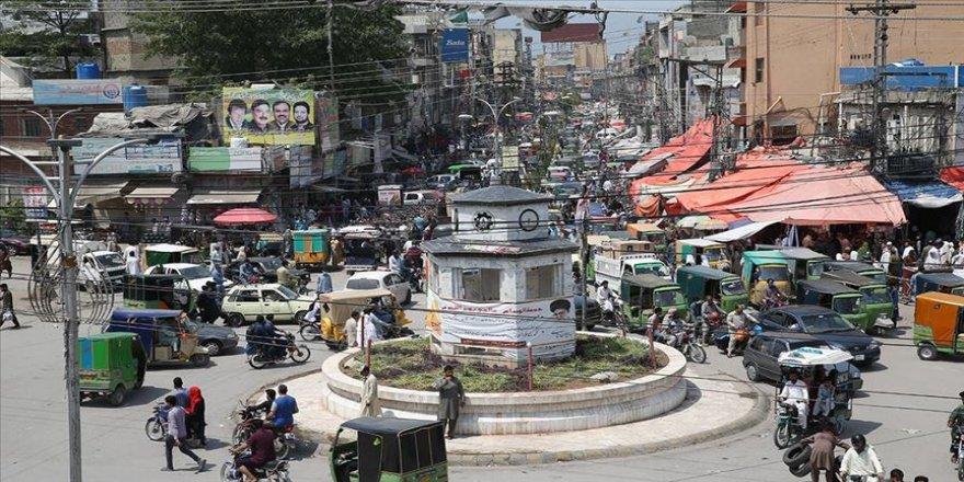 Pakistan'da Kovid-19 vaka sayısı 80 bini aştı