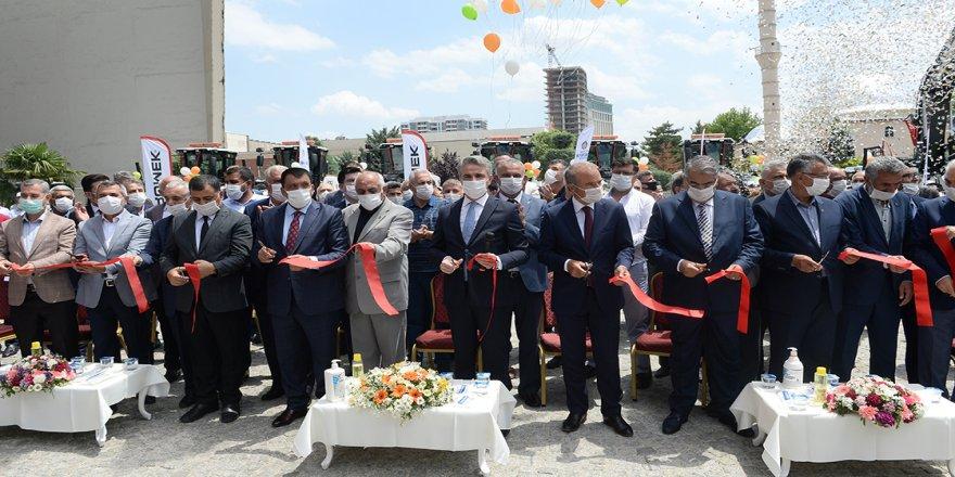 Bakan Kurum: Malatya'daki depremzedeler için yapılan konutların teslimini bir yıl içerisinde gerçekleştireceğiz