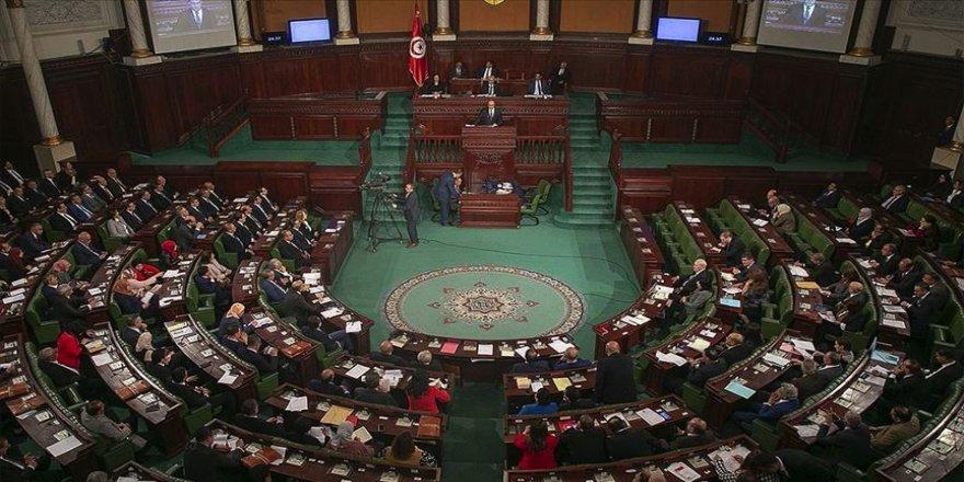 Tunus'ta 'Libya'ya dış müdahelenin reddedilmesi' önergesi Meclisten geçmedi