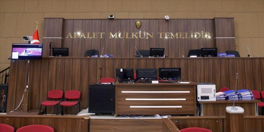 Cami hoparlörlerinden müzik yayınına ilişkin paylaşımlar yapan Banu Ö'ye 3 yıla kadar hapis talebi