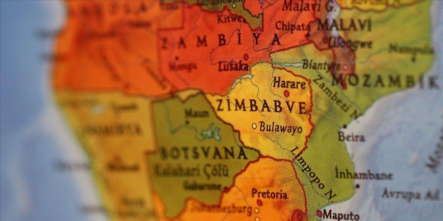 Zimbabve'de Kovid-19 yasaklarını ihlal eden 1300 kişi gözaltına alındı