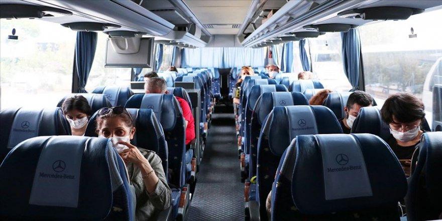 """Yolcular da otobüs firmaları da """"yeni normale"""" uyum sağladı"""