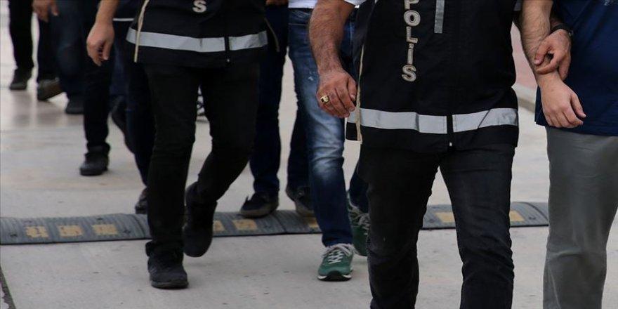 İzmir merkezli 56 ildeki FETÖ operasyonunda 100 gözaltı