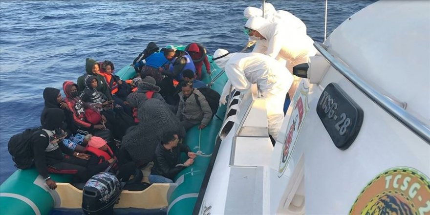 Çanakkale açıklarında 125 sığınmacı kurtarıldı