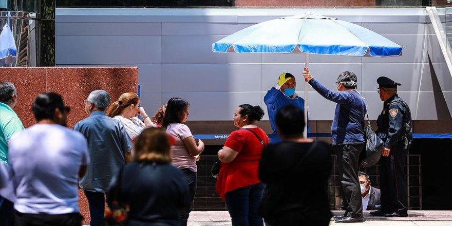 Meksika'da artan Kovid-19 vakalarına rağmen yeni normale dönüş devam ediyor