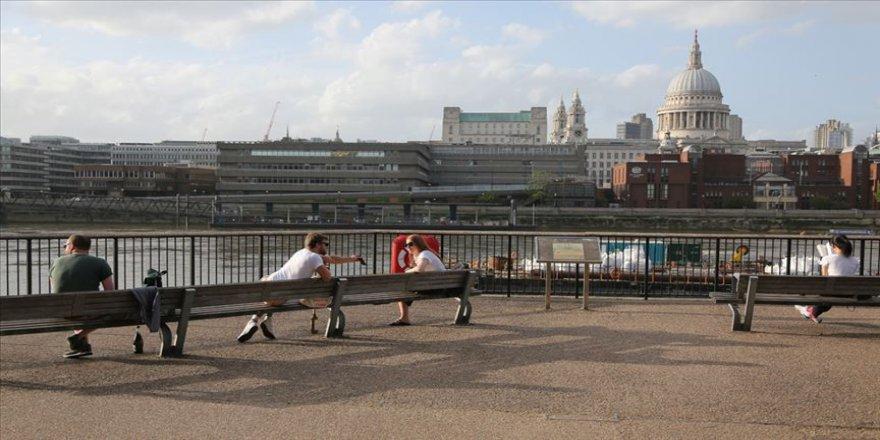 İngiltere'de 612 bin kişi işini kaybetti
