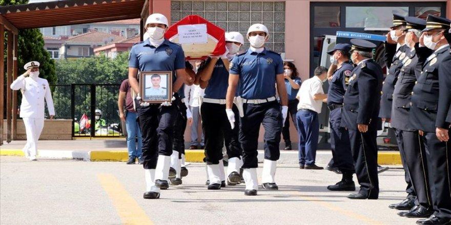 Kocaeli'de trafik kazası nedeniyle şehit olan polis memuru için tören düzenlendi