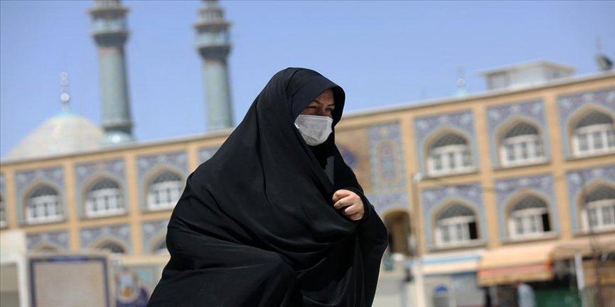 İran'da Kovid-19 kaynaklı can kaybı son 24 saatte 120 arttı