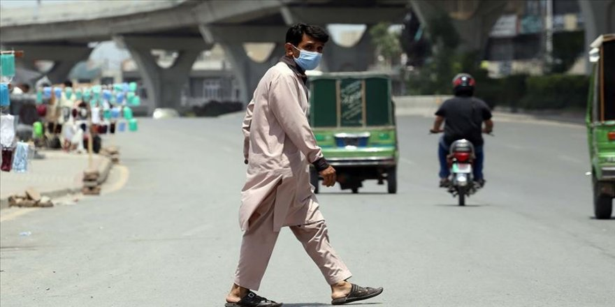 Pakistan'da Kovid-19 vaka sayısı 154 bini aştı
