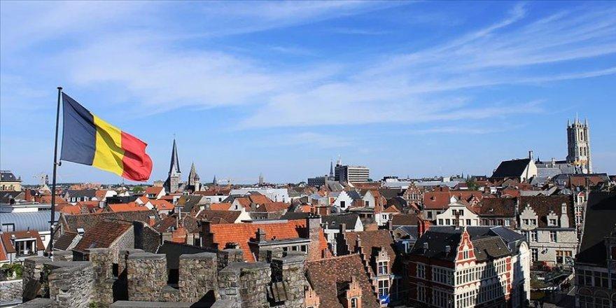 Belçika'nın Ghent kentinde sömürgeci Kral 2. Leopold'un büstü kaldırıldı