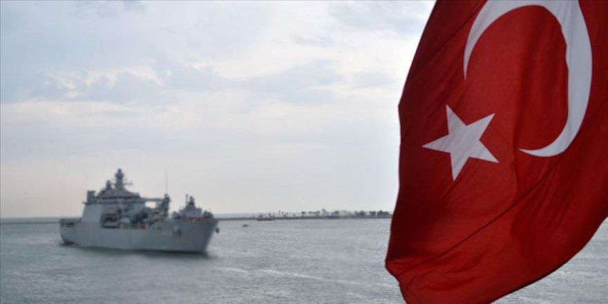 'Fransız gemisine taciz' iddiasına 'yakıt ikmalli' yalanlama
