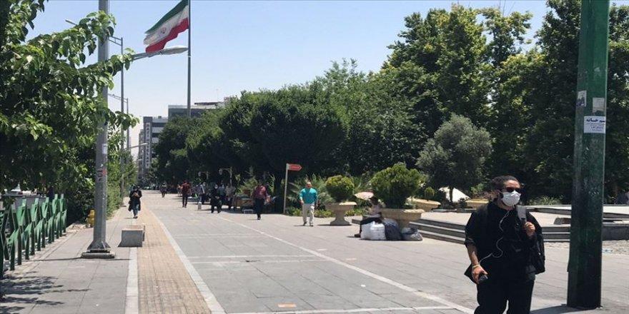İran'da Kovid-19 kaynaklı can kaybı yeniden 100'ün altına düştü