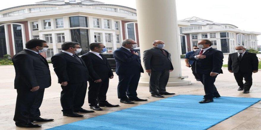 Vali Yavuz,Marmara'nın ve Türkiye'nin gururu Kocaeli'ne gelmekten büyük bir mutluluk duyuyorum