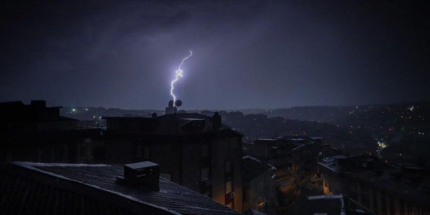 İstanbul'da sağanak etkili oldu