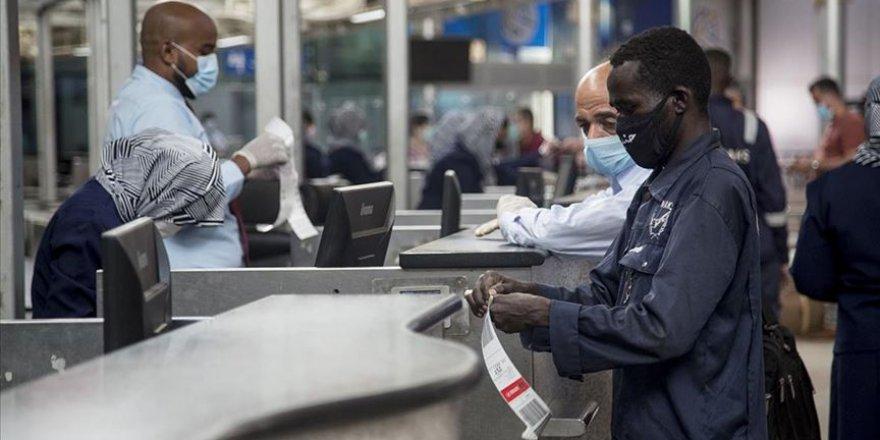 Afrika'da son 24 saatte 10 binden fazla Kovid-19 vakası görüldü