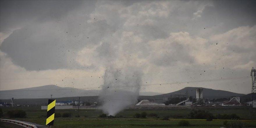 Kars'ta hortum ve şiddetli fırtına etkili oldu