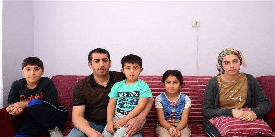 Kanserden eşini kaybeden baba 4 çocuğuna hem annelik hem babalık yapıyor