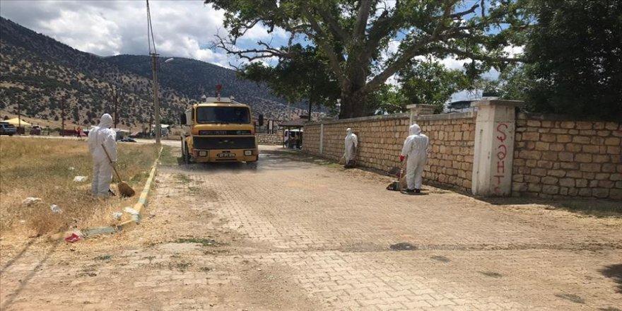 Antalya'daki Abdal Musa Türbesi, ziyaretçi çiftte Kovid-19 çıkınca kapatıldı