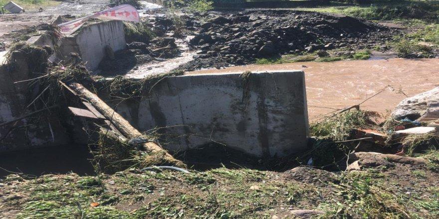 Kocaeli'de,Sel,Su Baskını, Heyalan ve Mahsur Kalma Olayları hakkında Valilik açıklamalarda bulundu