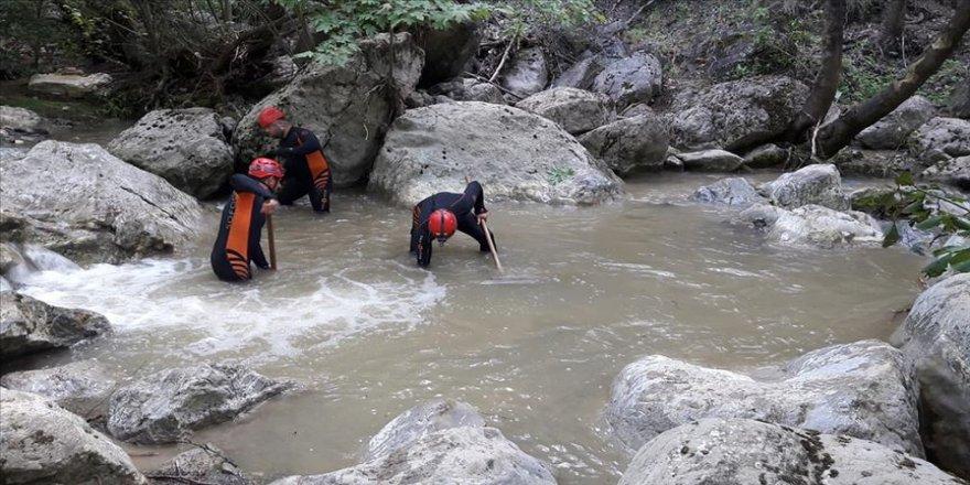 Bursa'da selde kaybolan genç kızı arama çalışmaları devam ediyor