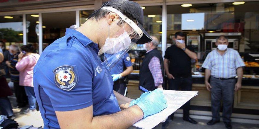 İçişleri: Maske zorunluluğuna aykırı davranan 7 bin 17 kişiye idari işlem uygulandı