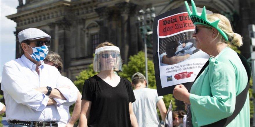 Almanya'da Kovid-19 salgınında ikinci dalga endişesi artıyor
