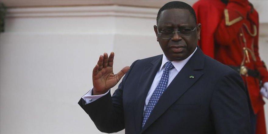 Senegal Cumhurbaşkanı Sall, Kovid-19 şüphesiyle karantinaya alındı