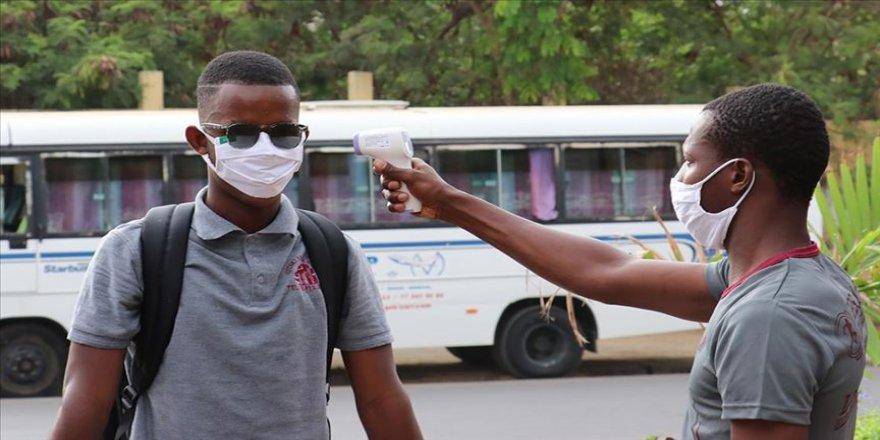 Afrika'da Kovid-19 kaynaklı ölümler 9 bini geçti