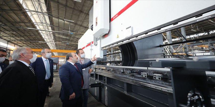 Bakan Varank 5 kıtada 86 ülkeye ihracat yapan Dener Makina'yı ziyaret etti