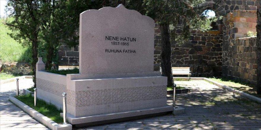 Türk kadınının kahramanlığının simgesi Nene Hatun 101 yıl yaşamış