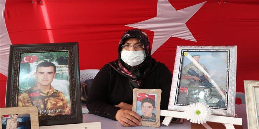 Diyarbakır annelerinden Altıntaş: iki cihanda elim yakalarında olacak
