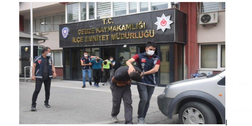 'Çekçekli kombi hırsızları, kamera görüntülerinden yakalandı''
