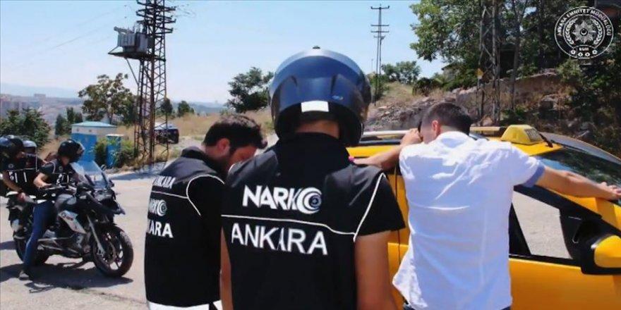 Ankara Emniyet Müdürlüğünden 'Uyuşturucuya geçit yok' paylaşımı
