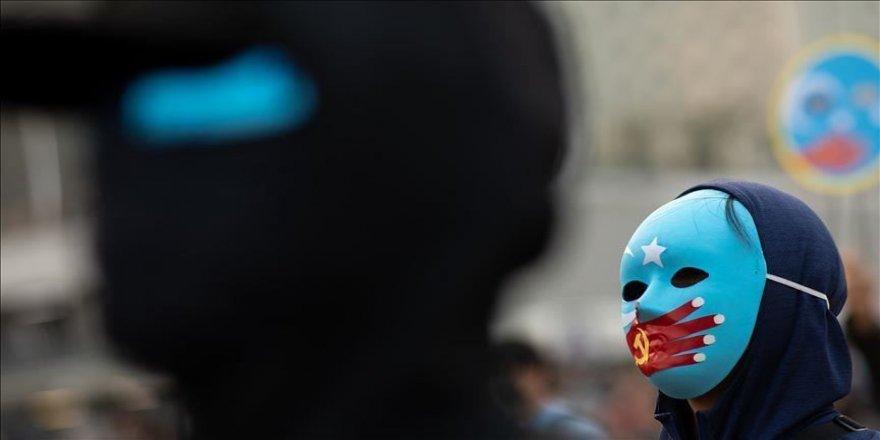 Çin'in Uygurlara zorla doğum kontrol yöntemleri uyguladığı iddia ediliyor
