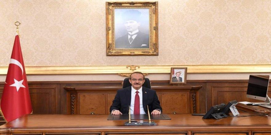 Kocaeli Valisi Seddar Yavuz,Denizcilik ve Kabotaj Bayramı'nı kutladı
