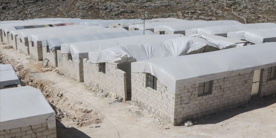 Yetim Vakfı'ndan Suriye'de yetim aileleri için briket ev