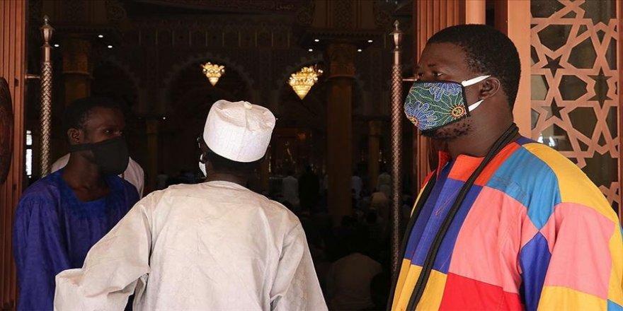 Afrika'da Kovid-19 vaka sayısı 421 bin 307'ye yükseldi