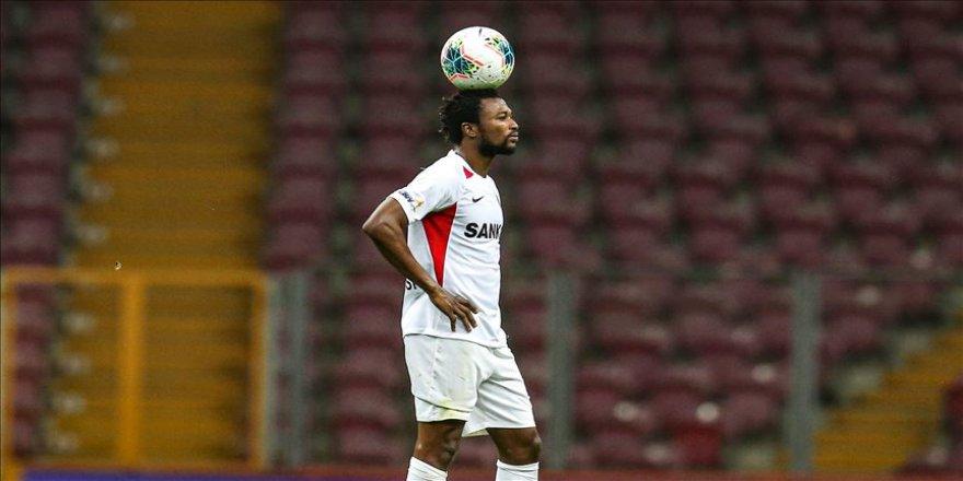 Gaziantep FK'de Twumasi, sözleşme süresinin dolduğu gerekçesiyle takımdan ayrıldı