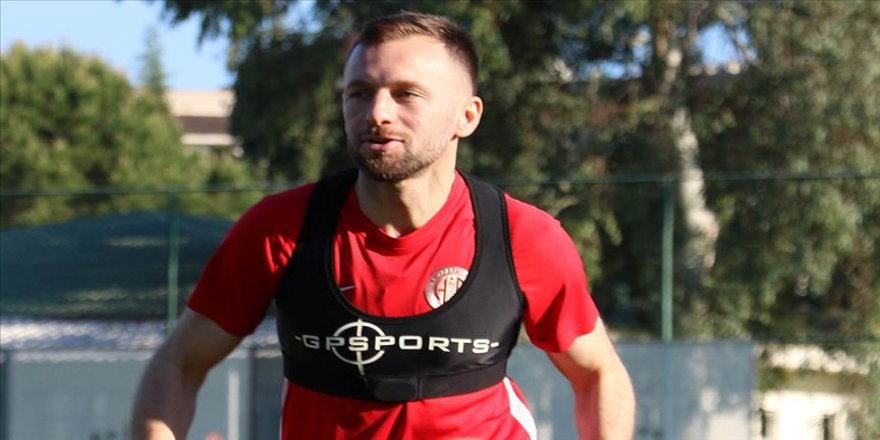 PFDK Antalyasporlu futbolcu Hakan Özmert'e 3 maç ceza verdi