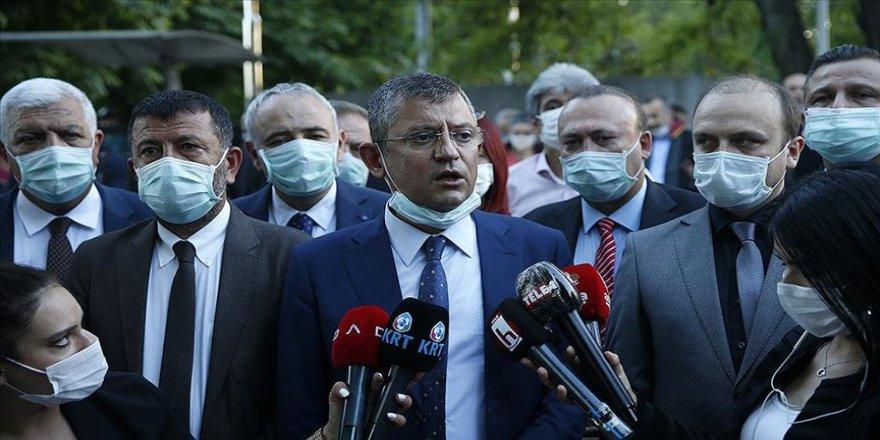 CHP'li Özel'den barolara ilişkin kanun teklifinin komisyon görüşmelerine eleştiri